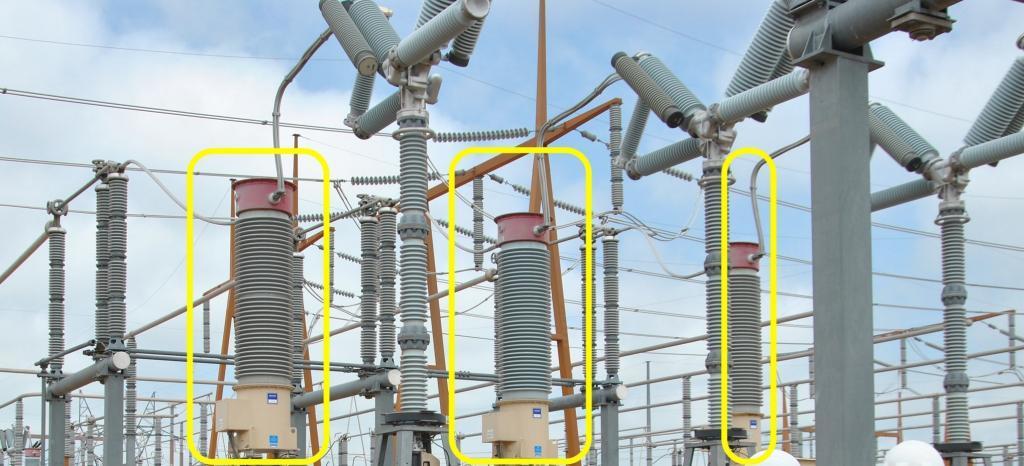 External current transformers near live tank breaker
